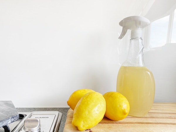 Cleaning bottle with citrus peel